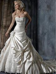 Продам шикарное свадебное платье CJ ШЛЕЙФОМ,  НОСИЛА 1 ДЕНЬ,  ОЧЕНЬ КРАС