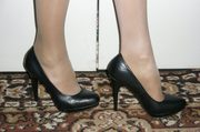 Продам женские туфельки черные и синии