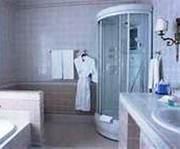 www.vanni74.ru предлагает широкий выбор ванн и душевых кабин