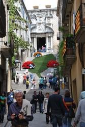 Экскурсии в Барселоне ,  Монсеррат,  Музей Дали,  Дома Гауди.